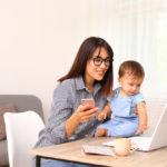 Μένουμε Σπίτι: Kαι τί γίνεται με τις νέες μητέρες;